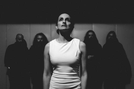 Sinistro-band-3807-Joana_Linda-small